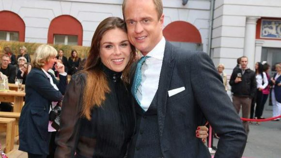 Der nicht mehr ganz so beliebte TV-Makler Alexander Posth mit seiner Verlobten Angelina Huth.