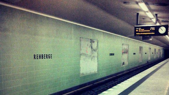 Zwei U-Bahnlinien, die U6 und die U8, verlaufen durch den Wedding oder Gesundbrunnen. Hier der Bahnhof der U6-Haltestelle Rehberge.