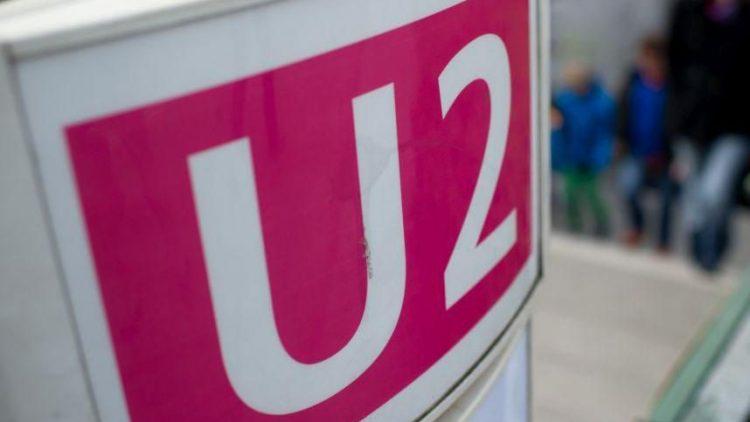 Auf der U-Bahn-Linie 2 kann man ab heute den Ansagen prominenter Persönlichkeiten lauschen.