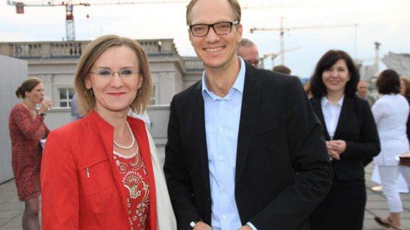 Auch Filmfans: BVG-Chefin Sigrid Nikutta und Mittes Bezirksstadtrat für Stadtentwicklung Carsten Spallek (CDU).