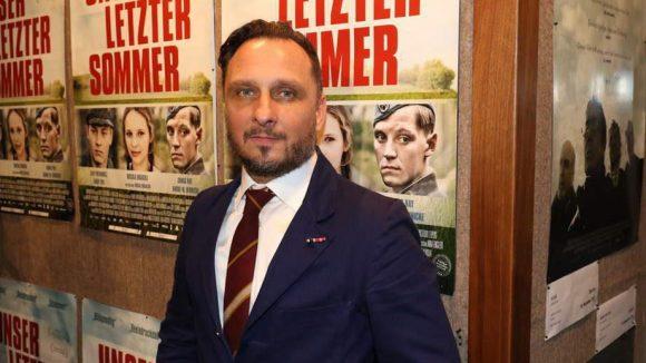 ... Regisseur und Drehbuchautor Michal Rogalski, der bereits mit dem Hartley-Merrill Drehbuch-Preis ausgezeichnet wurde, ...