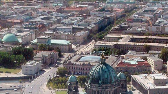 Ausblick auf den Boulevard Unter den Linden.