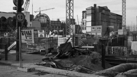 Unter den Linden/Pariser Platz in Mitte, 1997.