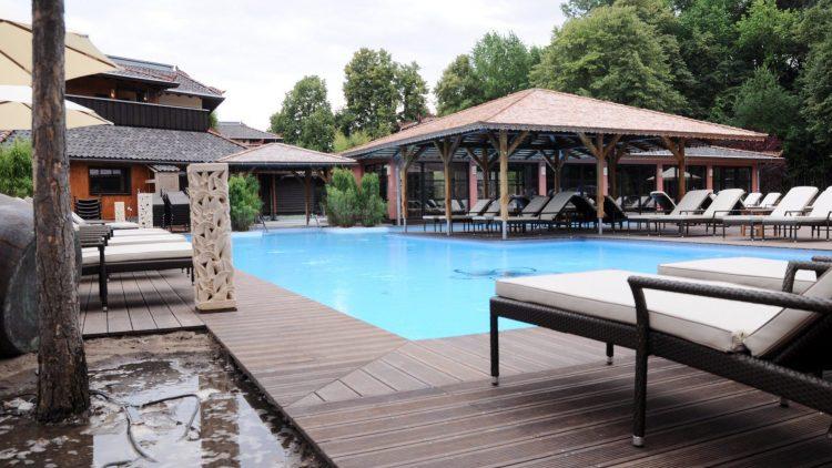Warum weit fliegen, wenn man Bali auch in Berlin Moabit genießen kann? Das größte Wellness-Ressort Deutschlands öffnet am 22. Juni seine Pforten.
