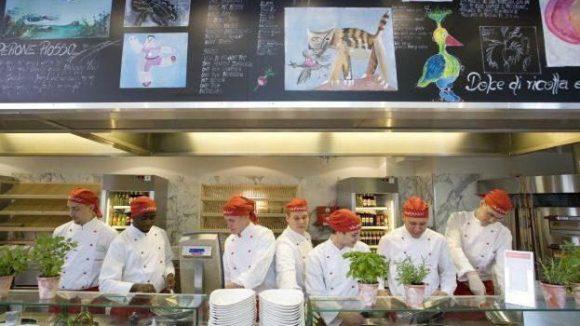 Die Köche des Vapiano kochen ab dem 15.2.13 auch im Berliner Hauptbahnhof.