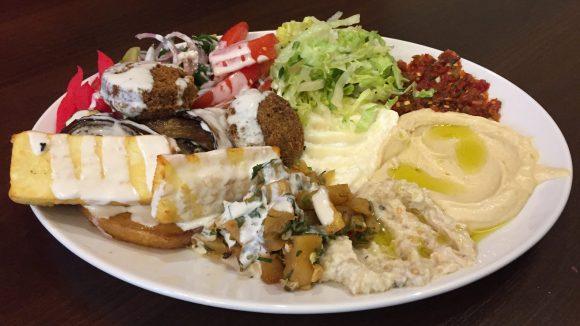Orientalische Köstlichkeiten bekommst du bei Ali Baba's Dream in Steglitz.
