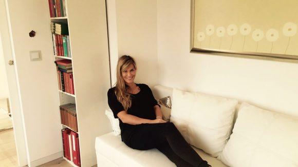 Im Gäste-/Arbeitszimmer hängt ein Bild von ihrem Lieblingskünstler Frantz Wittkamp.