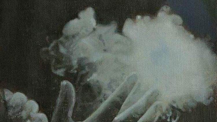 Rauch, Schleier, Semitransparenz: Drei Schlagworte, die in der Ausstellung immer wieder begegnen.
