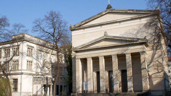 Die Villa Elisabeth (links) und die St. Elisabeth Kirche bilden wieder ein harmonisches Ganzes.