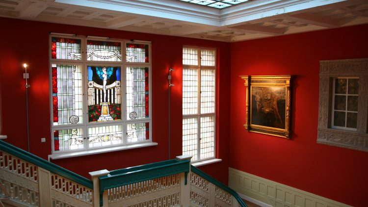 """Die Villa Thiede: Der Unternehmer Jörg Thiede erhielt den Preis """"Jugend in Arbeit"""", weil er die Restaurierung des Gebäudes bewusst jungen Menschen aus sozial schwierigem Umfeld überließ."""