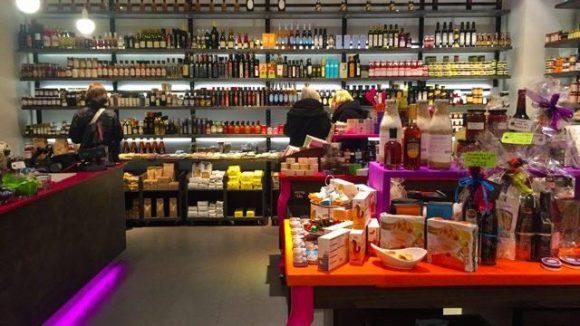 Die bunte Welt von Viola's Gewürzen und Delikatessen liegt im Einkaufszentrum Das Schloss in Steglitz.