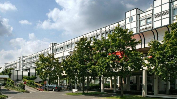 Das Hauptgebäude des Vivantes Klinikum in Neukölln.