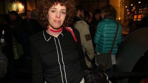 Malika Ziuech von Petting spielt auch mit und steuerte einen Song für den Soundtrack bei.