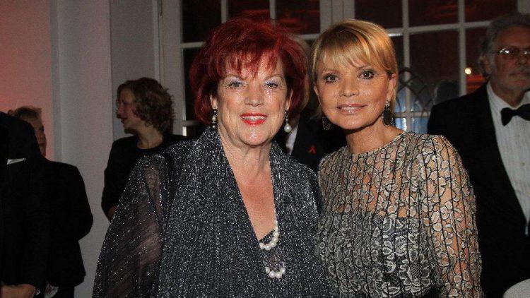Deutschlands bekannteste Filmproduzentin Regina Ziegler (l.) mit Schauspielerin Uschi Glas.