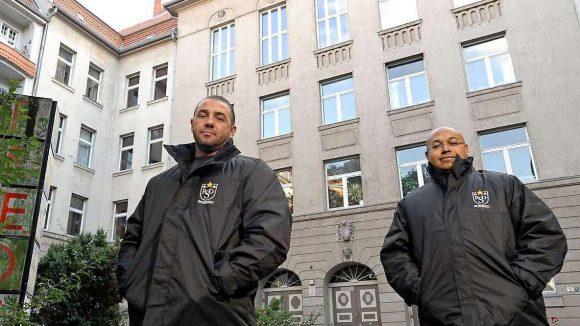 Einen Wachschutz gibt es in Neukölln bereits an Schulen. Ab März sollen Sicherheitsleute die Mitarbeiter der Helene-Nathan-Bibliothek vor Kriminellen beschützen.
