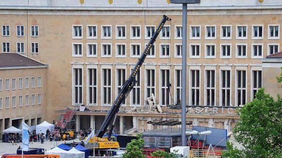 Bröckelt Tempelhof? Wird das Flughafengebäude abgerissen?