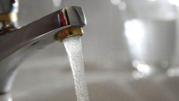 Das Wasser aus Berliner Hähnen könnte noch 2012 teurer werden.