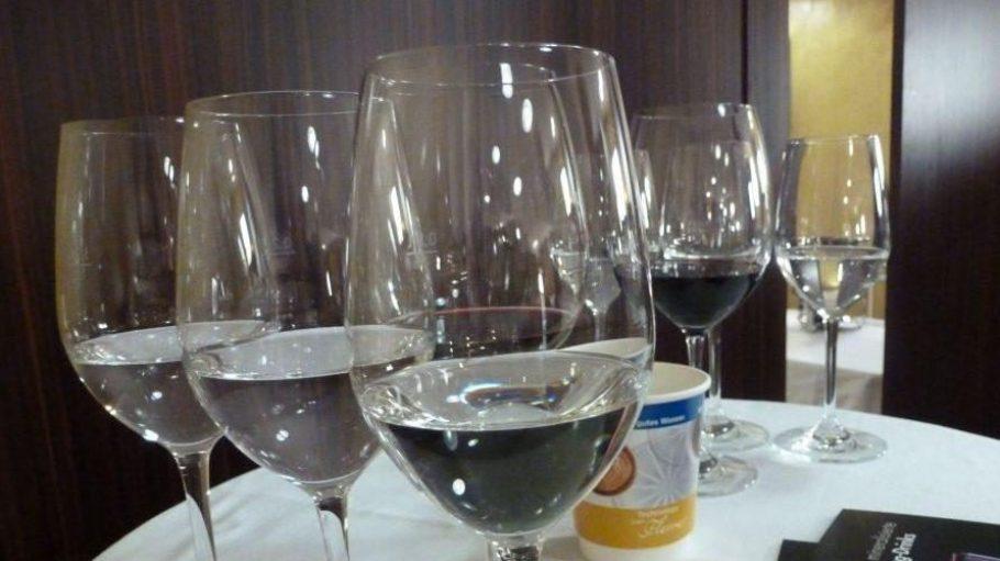 Im Rahmen des 4. Kaffee-Campus lud das Wassertechnologie-Unternehmen BWT zum Blind-Water-Tasting ins KOSMOS.