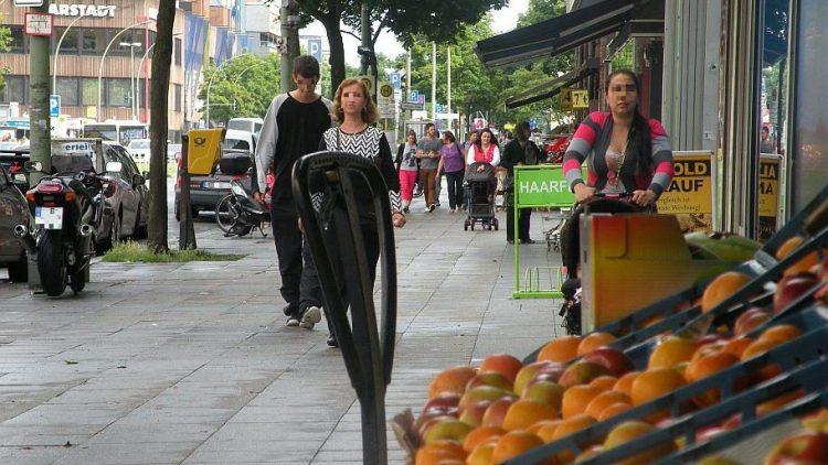 Karstadt am Leopoldplatz ist Anlaufstelle für viele Einkäufe - doch wie lange noch?