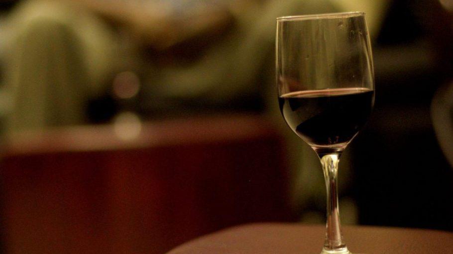Im Wild Things kannst du Wein in seiner natürlichsten Form probieren. Und einen fantastischen Abend verbringen.