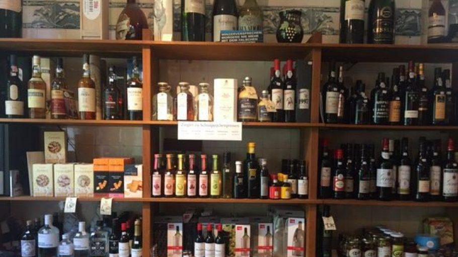 Neben Weinen gibt es bei Hardy auch diverse Spirituosen von kleinen Herstellern.