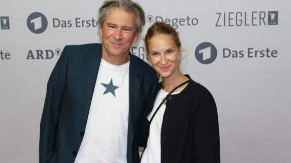 Auch Schauspieler Michael Kind und Kollegin Chiara Schoras wollten in der Kulturbrauerei dabei sein.