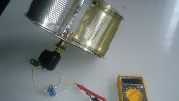 Dieses selbst gebaute Windmessgerät könnte bei der Suche nach einem geeigneten Platz für die Weddinger Anlage helfen.