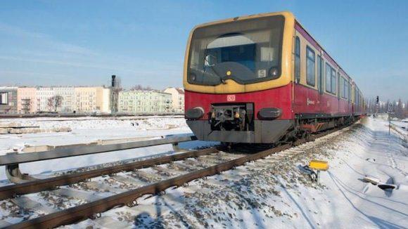 Nicht nur mit dem Lärm vorbeifahrender S-Bahnen müssen sich hunderttausende Berliner seit Jahren arrangieren.