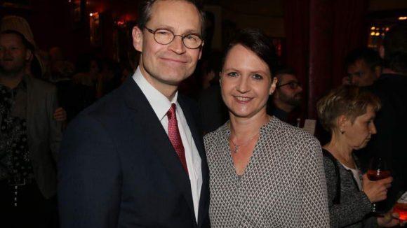 Premiere im Wintergarten: Das wollten sich auch der Regierende Bürgermeister und seine Frau, Michael und Beate Müller, nicht entgehen lassen.