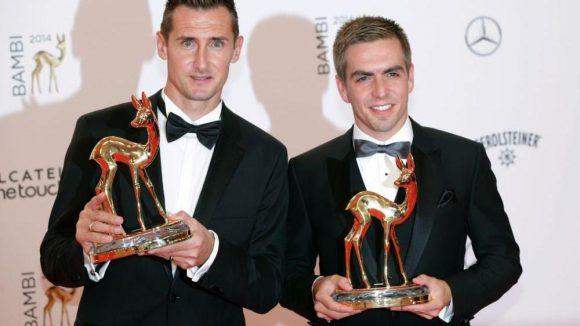 Am Montag WM-Filmpremiere, dann auch noch ein Bambi (Ehrenpreis der Jury): Mit stehenden Ovationen wurden unsere WM-Helden Miroslav Klose (l.) und Philipp Lahm gefeiert.