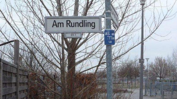 Liebevoll bezeichnen sich die Bewohner, natürlich in Anlehnung an den Straßennamen, als Rundlinge.