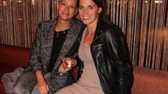 Und noch ein letztes Pärchen: Die Berliner Regisseurin Ina Borrmann und Darstellerin Stefanie Schuster (rechts).