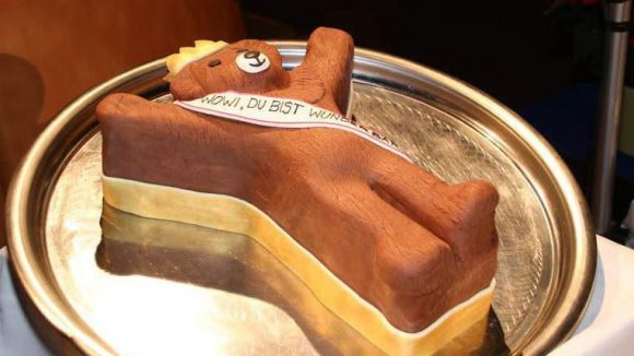 Cynthia Barcomi backte die Wowi wunderbär-Torte.