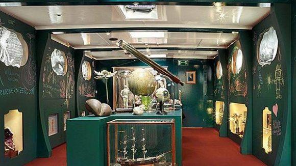 Ein Schiff wird zum Museum: die neue Wunderkammer der Stiftung Olbricht.