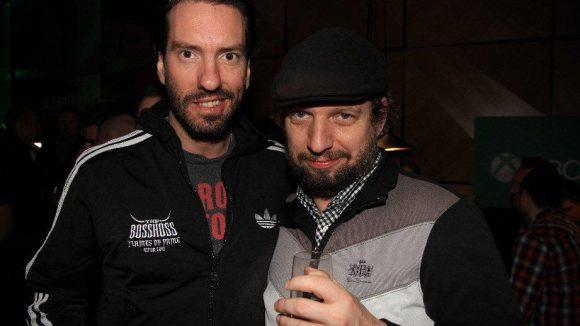 Auch Musiker zocken gern: BossHoss-Sänger Boss Burns mit dem Beatsteaks-Manager Eric M. Landman.