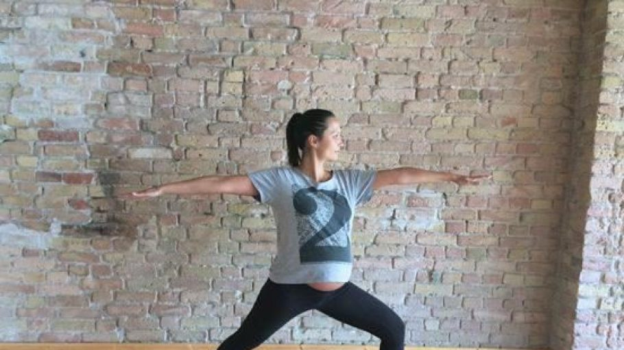 Yoga geht immer, auch hochschwanger.