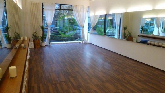 Viel Raum für die eigene Besinnung: Das Yogastudio Rafaela Rarisch.
