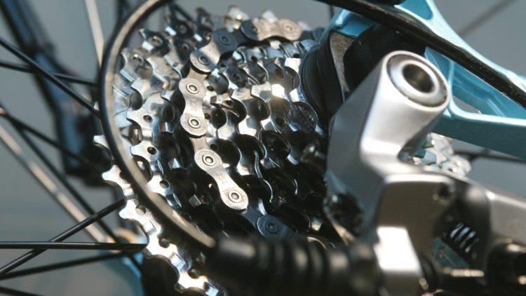 Vom einfachen Fahrrad bis zu komplizierten Konstruktionen: Zahnräder braucht man überall.