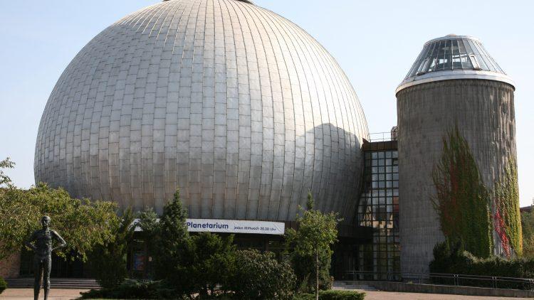 Sternenkugel. Für gut ein Jahr wird das Zeiss-Großplanetarium in Prenzlauer Berg modernisiert.