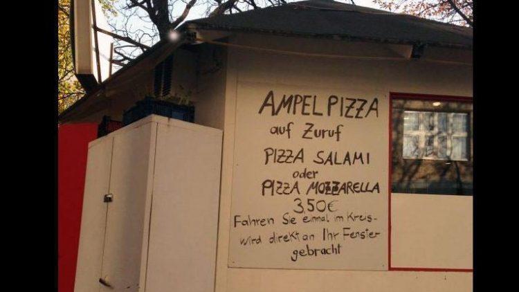 Was ist, wenn Stau ist? Genau: Eine Pizza ordern!