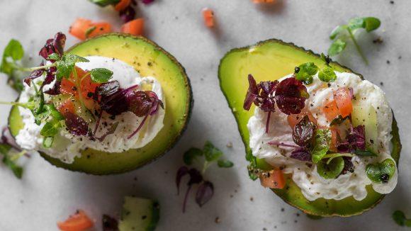 """Name ist Programm: Im """"The Avocado"""" regiert die grüne Superfrucht."""