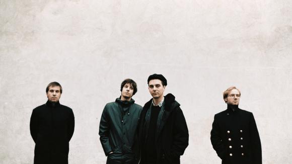 """""""Vergifte Dich"""" heißt das zweite Album der Indie-Rock-Band Isolation Berlin, mit dem die Jungs im Frühjahr auf gleichnamige Tour gehen."""