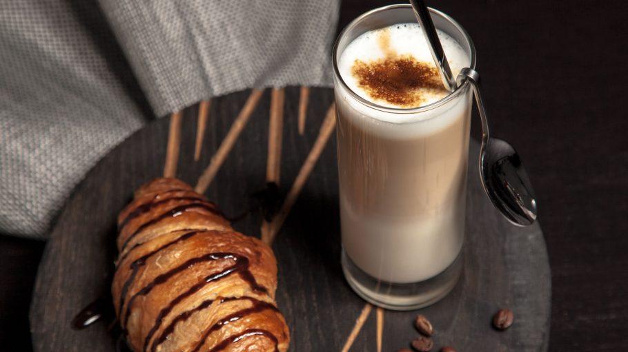 Ein französisches Croissant oder lieber frische Paninis? Das gibt´s hier im F´hain.