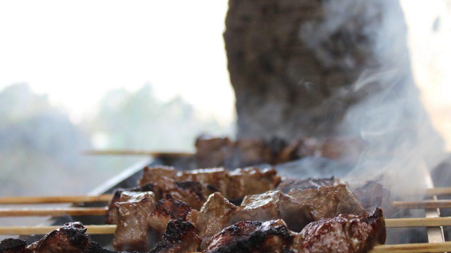 Es gibt Fleisch, Baby! Und zwar ganz fantastisches aus dem BBQ Smoker.
