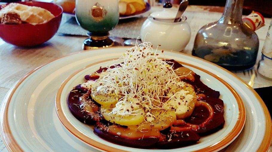 Kartoffeln und Rote Bete zum Lunch? Hört sich vielleicht etwas langweilig an, schmeckt aber so richtig gut.