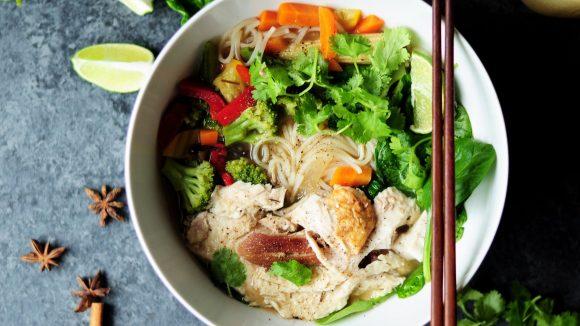 Die berühmte Phở-Suppe mit frischem Koriander gibt's im Minh Huy in drei verschiedenen Variationen.