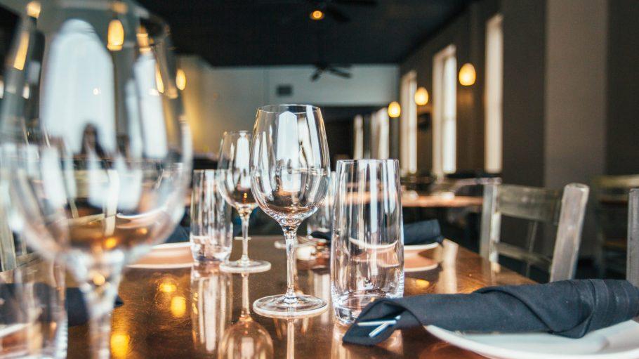 In Schönebergs Restaurants bleiben die Gläser nicht lange leer!