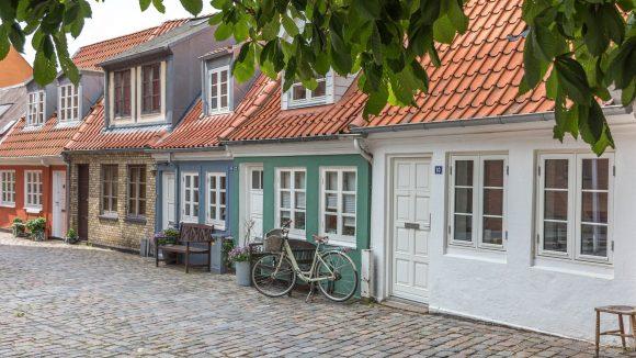 Verbirgt sich hinter diesen schönen Fassaden der Horror oder vielleicht doch das Wohnparadies?