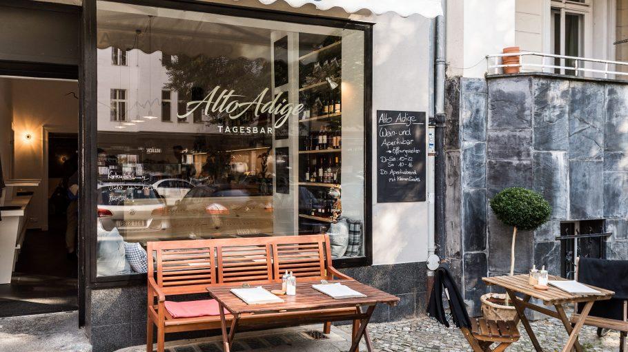 Zahlreiche Weine und Feines aus dem schönen Alto Adige gibt es seit kurzem am Stuttgarter Platz.