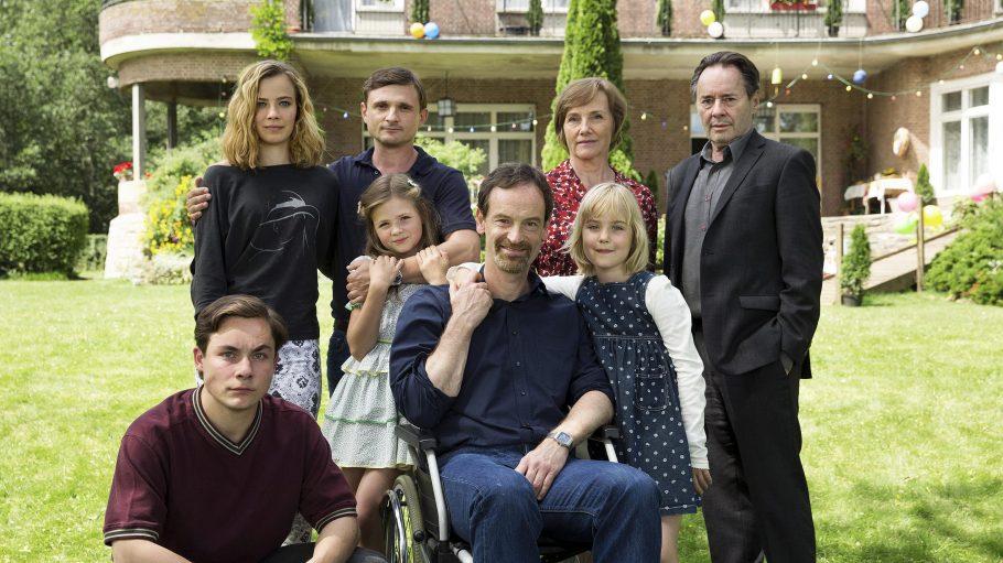 Familie Kupfer aus der Serie Weissensee im Garten
